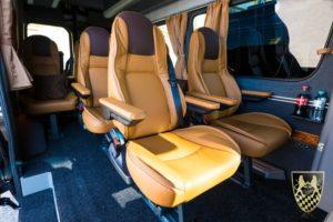 Kleinbusse und Luxusbusse