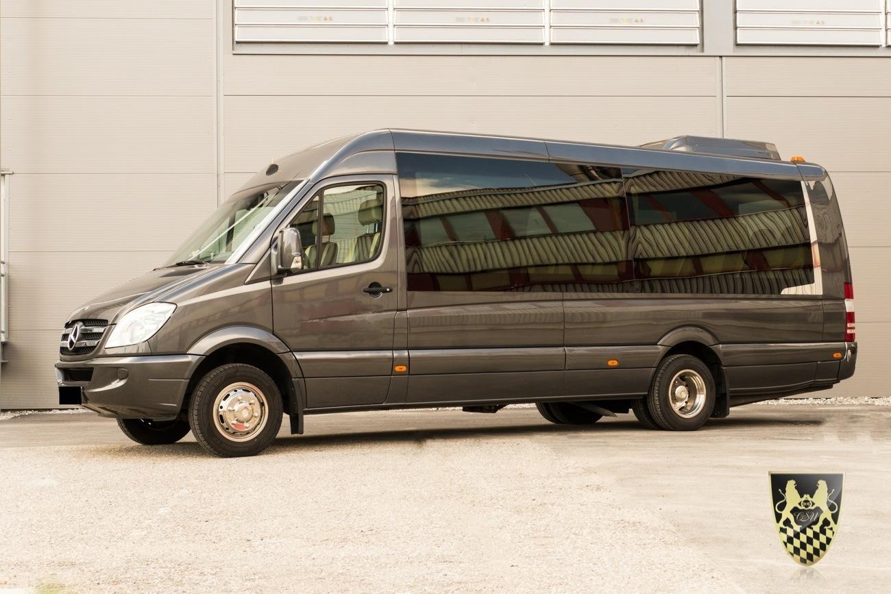 Kleinbus für 18 Pax