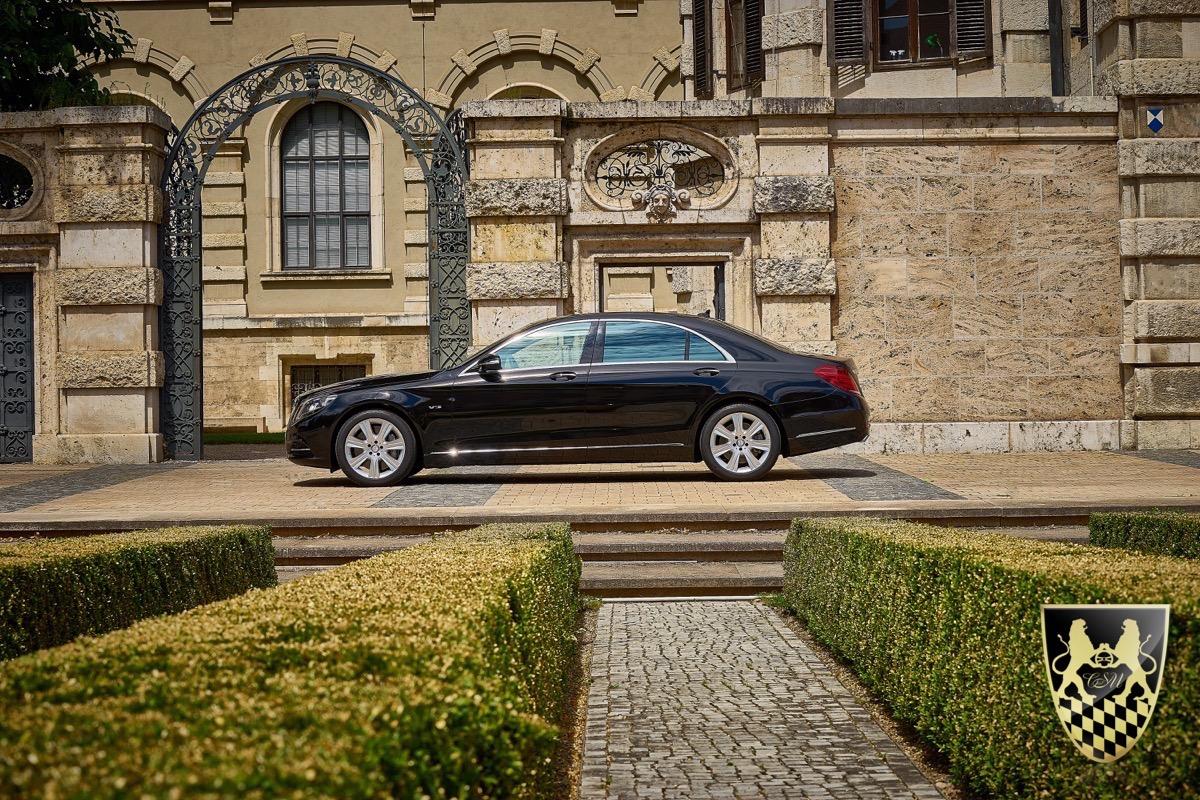 limousinenservice luxus limousine buchen limousine mieten. Black Bedroom Furniture Sets. Home Design Ideas