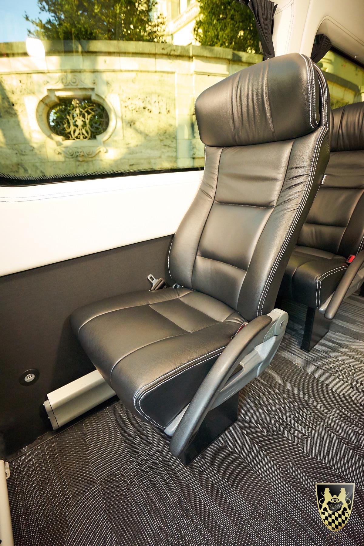 bus f r 16 personen chauffeurservice munich. Black Bedroom Furniture Sets. Home Design Ideas