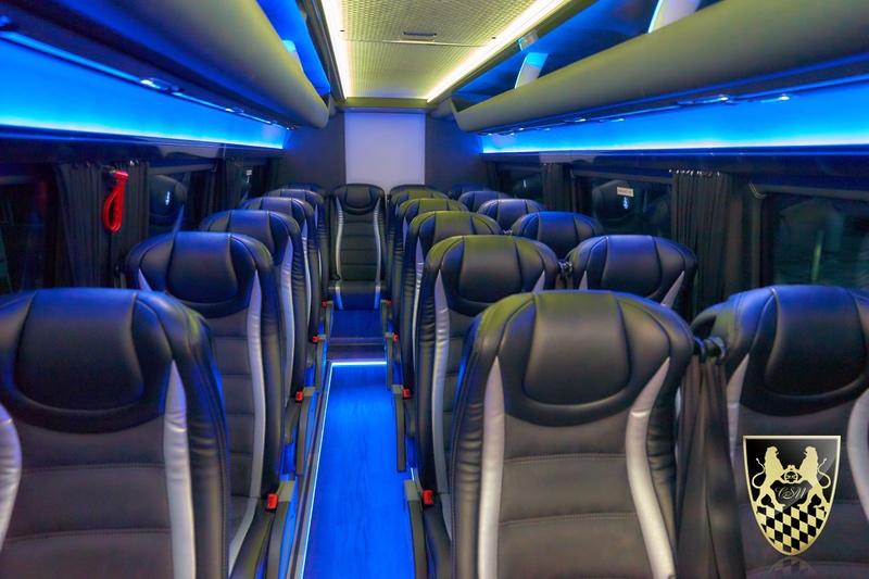 Kleinbus für bis zu 20 Personen mieten